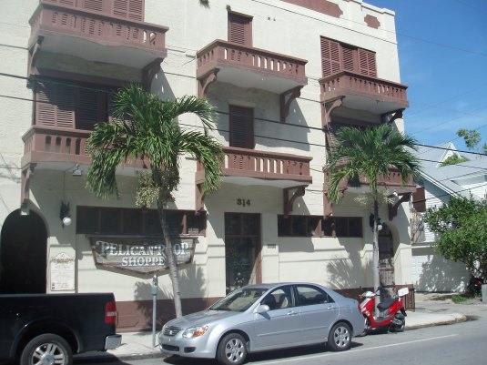 Casa Antigua - Hemingway's First Home in Key West